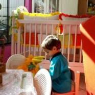 Porządkowanie zabawek w pokoju dziecka